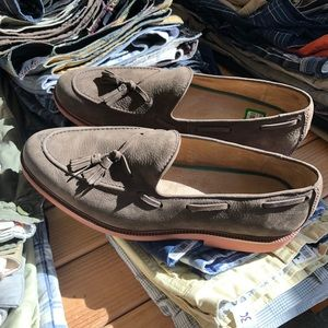 Men's tasseled loafers.
